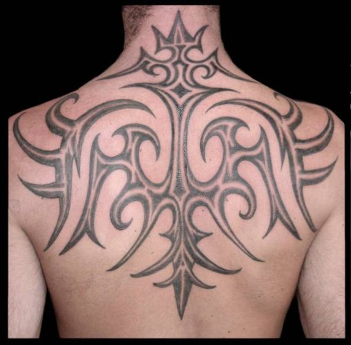 crescent moon tattoo pictures tatouage tribal homme. Black Bedroom Furniture Sets. Home Design Ideas